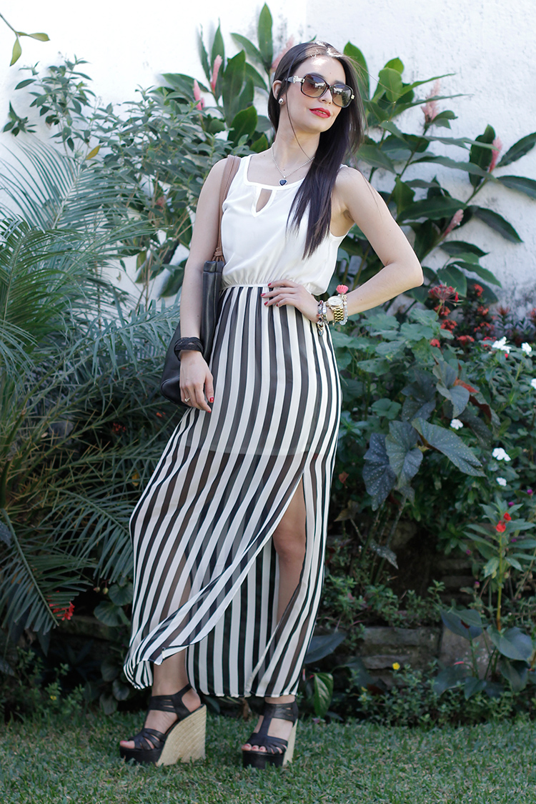 Fashion - Black-&-White-Striped-Maxi-Dress by Sonia Valdés
