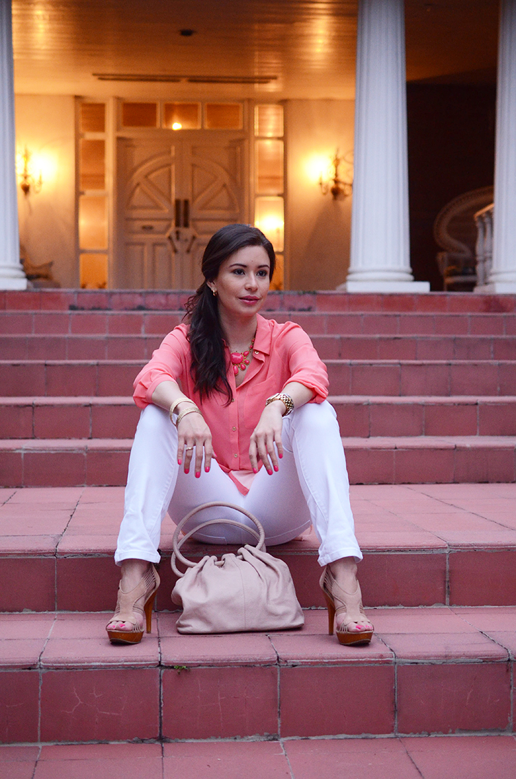 Fashion - Salmon, Pink & White by Sonia Valdés