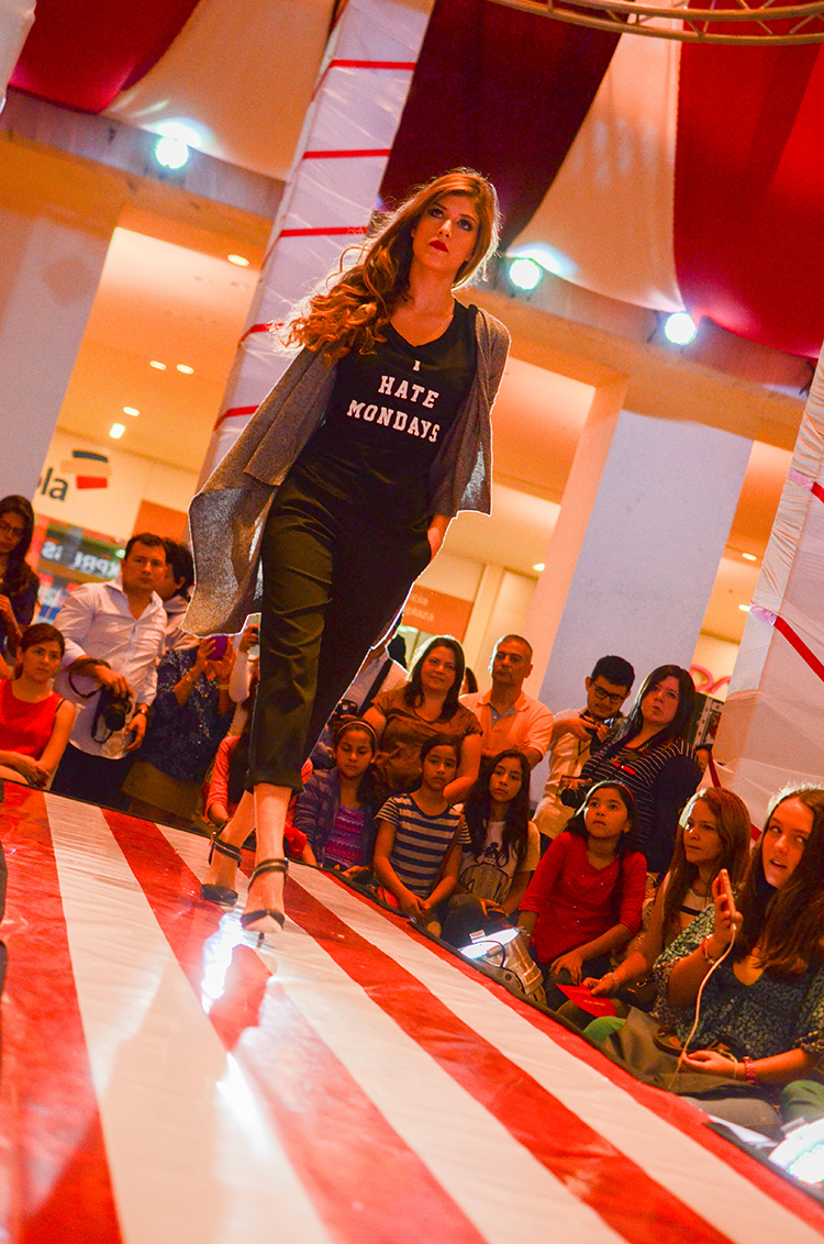 Fashion - Epic Circus Multiplaza by Sonia Valdés