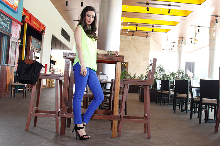 Fashion - Neon Green & Blue by Sonia Valdés