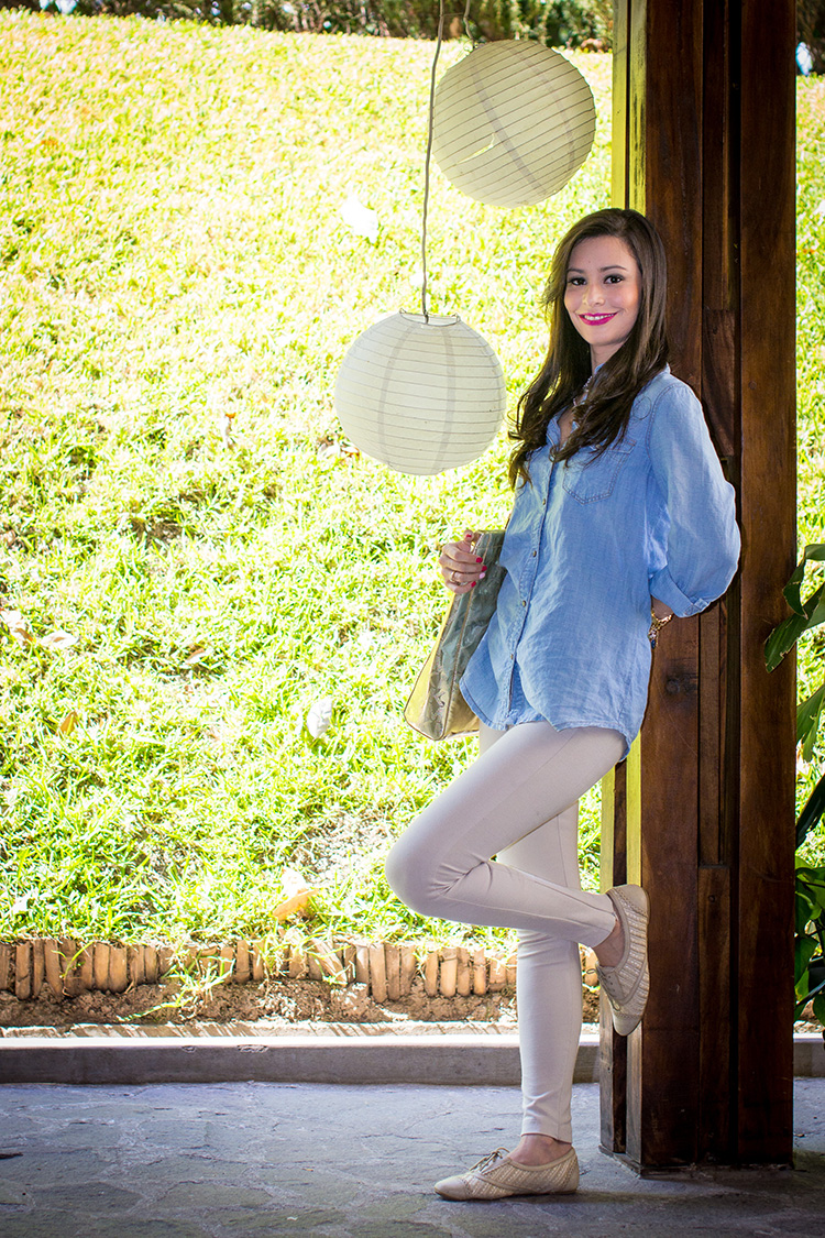 Fashion - Denim Shirt & Beige Leggings by Sonia Valdés