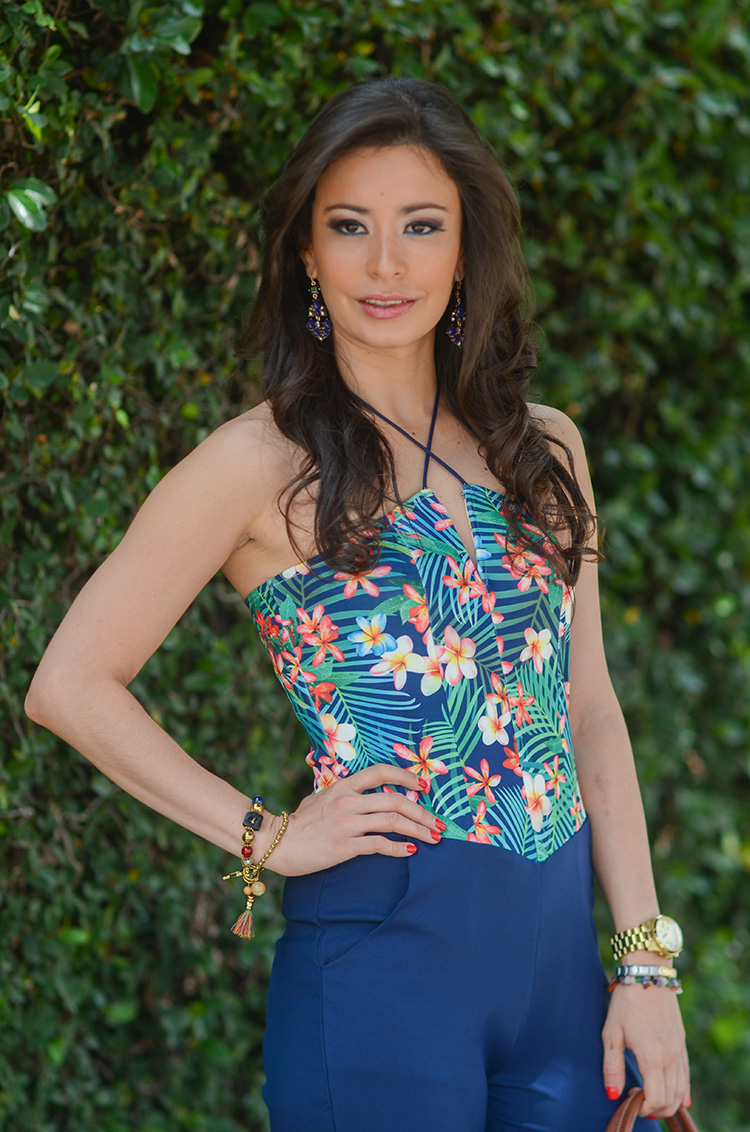 Fashion-Floral-Print-&-Navy-Jumpsuit-by-Sonia-Valdes_0407