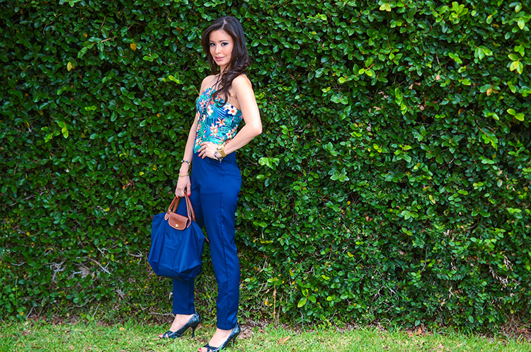 Fashion-Floral-Print-&-Navy-Jumpsuit-by-Sonia-Valdes_0474
