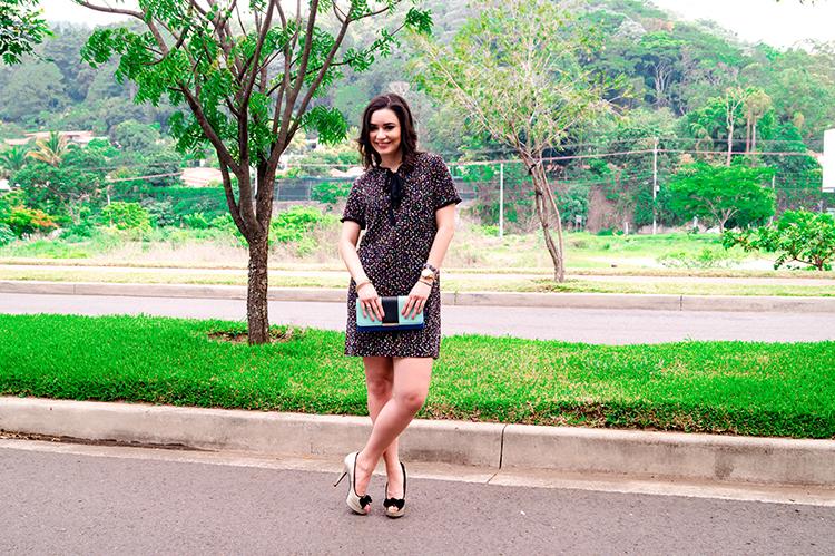 Vestido Negro Con Hilos De Colores
