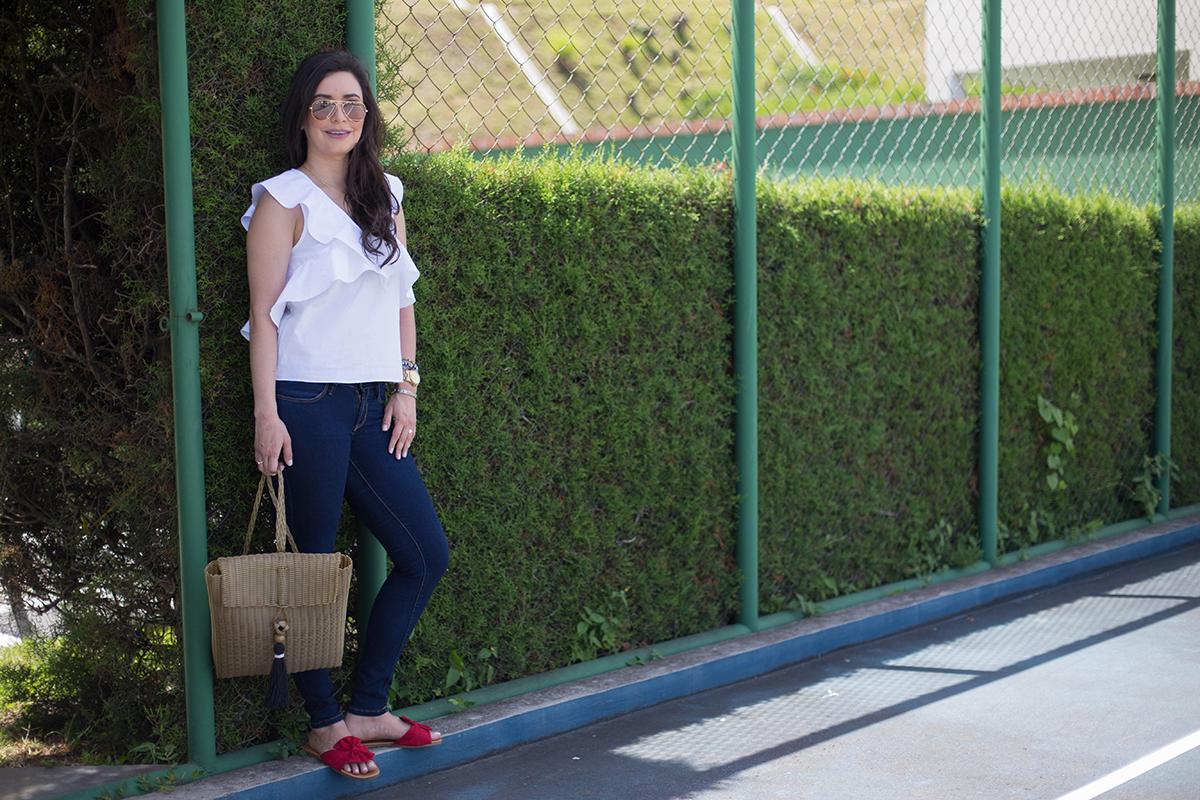 Combinación De Colores Clásicos En Un look Moderno Rojo, Azul y Blanco