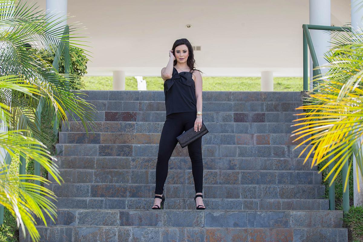 outfit-negro-monocromatico-look completamente negro